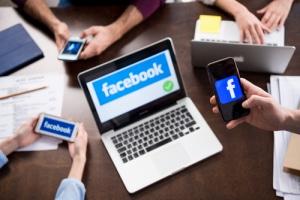 Каков технический аспект рекламы Facebook?