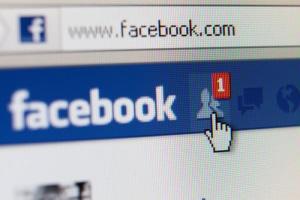 Tworzenie reklam wideo na portalu Facebook In-Stream